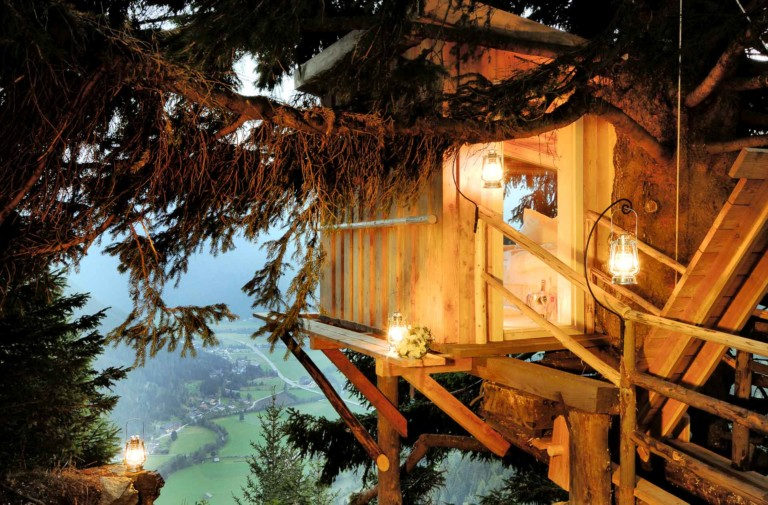 Tree house outside 1